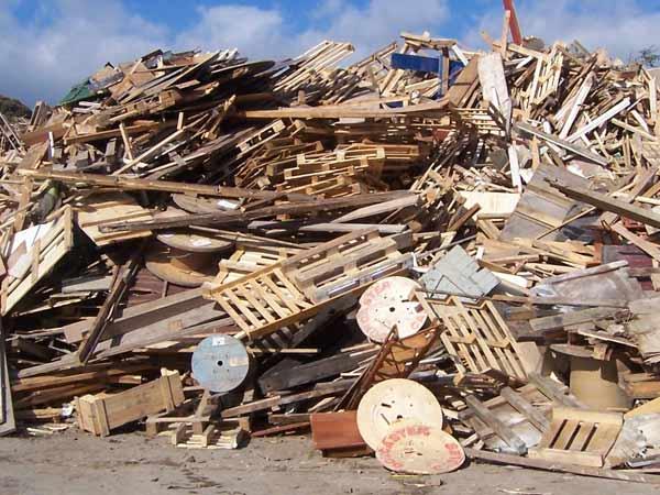Prezzi-raccolta-legno-usato-Piacenza