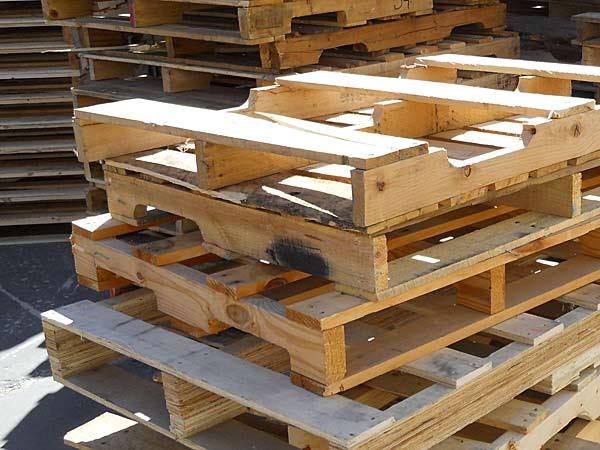 Smaltimento legno parma piacenza prezzi riciclo ritiro for Riciclo bancali legno