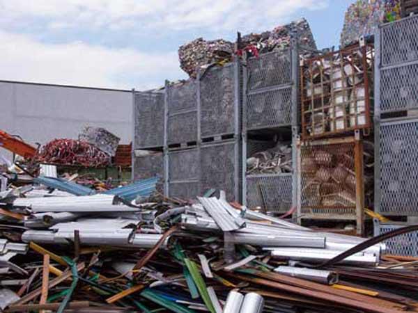 Smaltimento-rifiuti-industriali-Piacenza